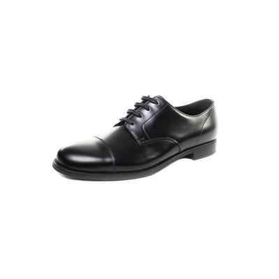 Prada Size 9.5 Leather Oxford
